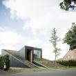 house-pibo-oyo-architects-residential-maldegem-belgium-green-roof_dezeen_1568_0