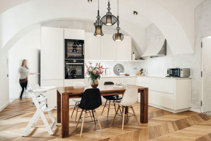 Sodobno staromeščansko stanovanje, Nina Štajner