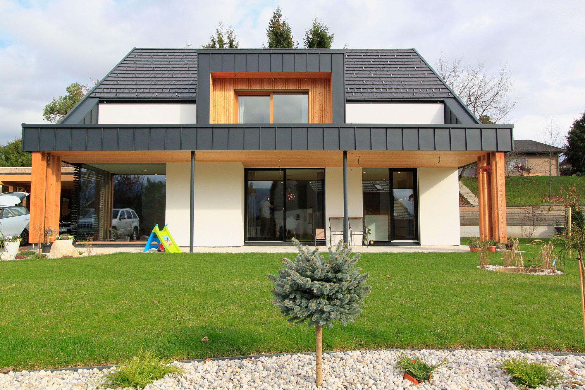 Hiša Jakov Fak