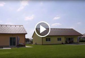 Dve skoraj enaki hiši